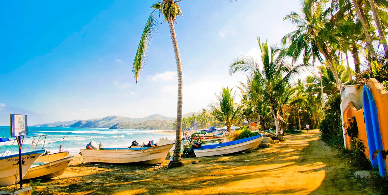 Zona de camping en la playa de Sayulita, Nayarit